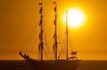 Driemaster voor de kust van Scheveningen van