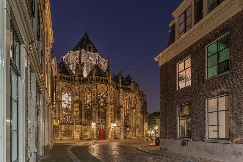 Grote Kerk in Dordrecht in het blauwe uurtje van Tux Photography