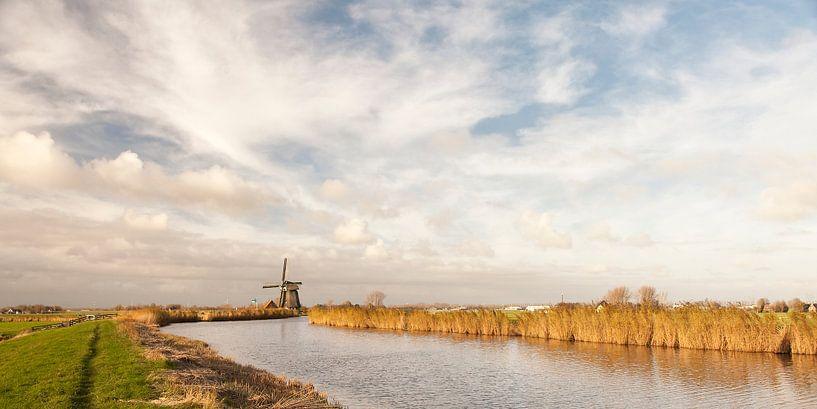 Schermerringvaart met molen van Ellen van Schravendijk