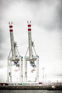 Twee Containerliften