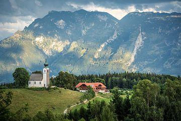 Kerk en hotel in Zuid Duitsland. von Edwin Walstra