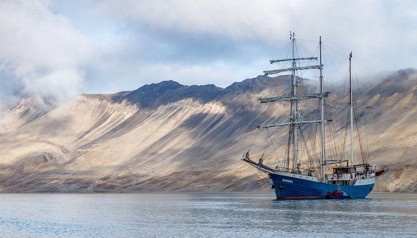 Großes Schiff Barkentine Antigua von Menno Schaefer