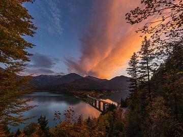 Sonnenuntergang am Sylvenstein von Denis Feiner