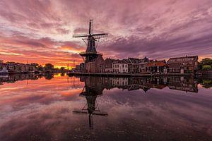 """Sunrise bij molen """"De Adriaan"""" van"""