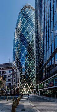 De Gurkin in Londen - reflecties in het andere gebouw van Rene Siebring
