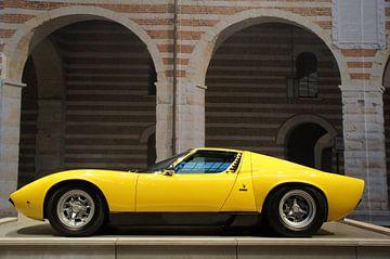 Lamborghini Miura SV geel supercar oldtimer van Jesse Barendregt