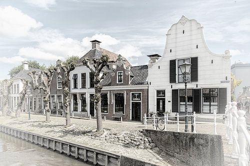 """Historische huizen in het dorp """"Sloten"""" in """"Friesland"""" Nederland"""