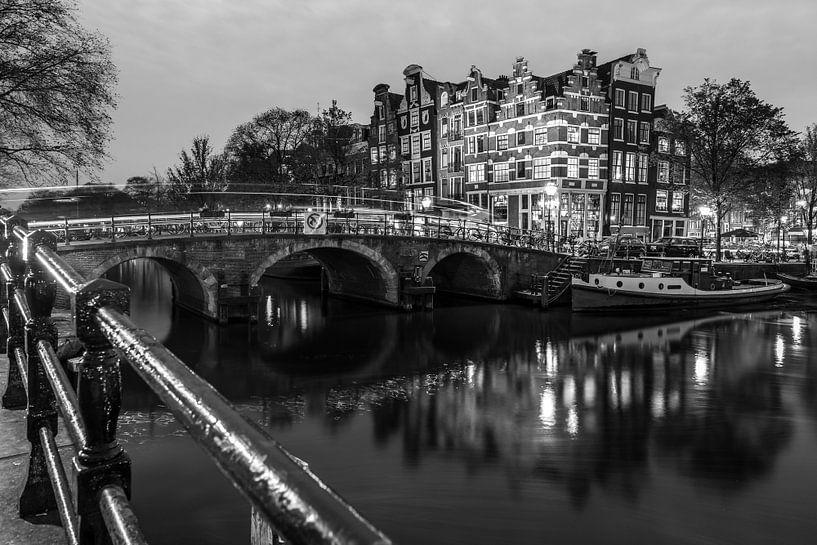 The Amsterdam Connection van Scott McQuaide