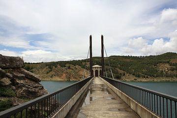 Andalusië - brug bij stuwmeer van Lisette Tegelberg - Zegwaard