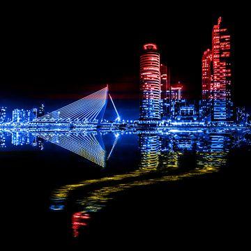 Rotterdam zwart, rood, blauw en geel van Ton de Koning