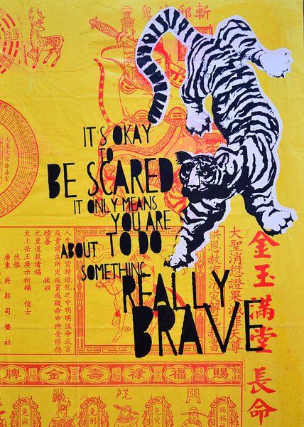 Brave yellow tiger van Inge Buddingh