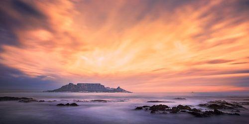 Stormy Cape Town van Thomas Froemmel