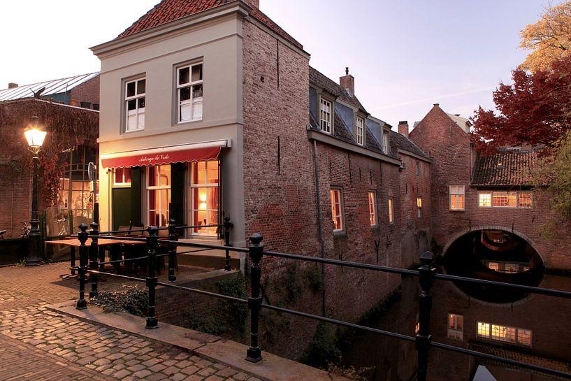 Uilenburg met Binnendieze van Den Bosch - 's-Hertogenbosch   van Jasper van de Gein Photography