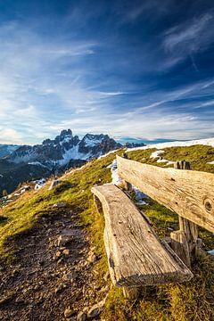 """Berglandschap """"Bank met Uitzicht"""" van Coen Weesjes"""