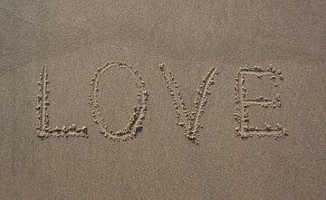 Love geschreven in zand van MSP Canvas