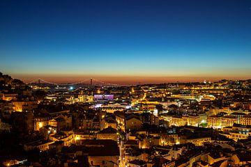 Lisbonne la nuit sur Mark Lenoire