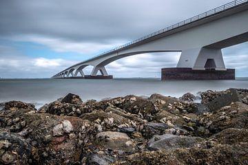 Le pont de Zélande à basse mer, Eb dans le Oosterschelde sur Gerry van Roosmalen