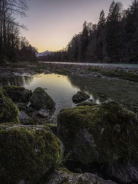 Am Ufer der Saalach von Thomas Weber