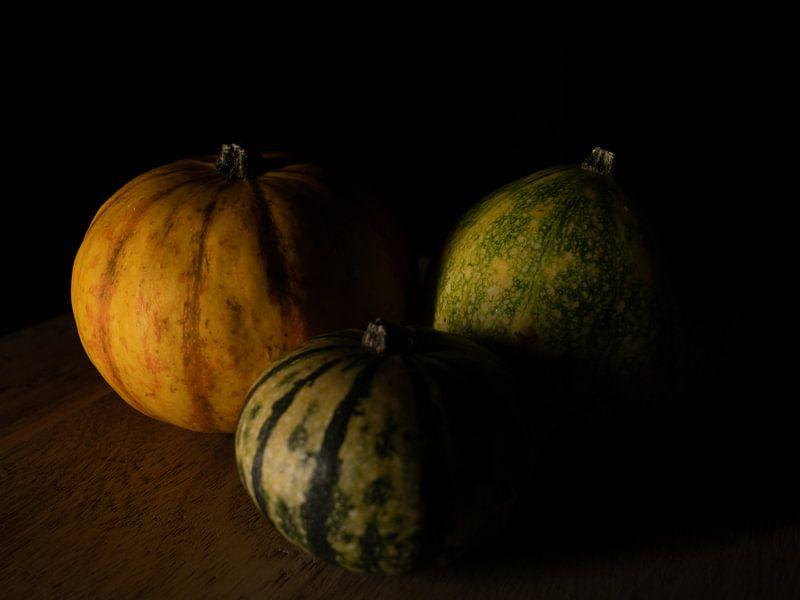 Drie pompoenen van Maikel Brands