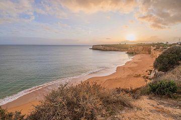 Kustlijn Algarve in Portugal van Bianca Kramer