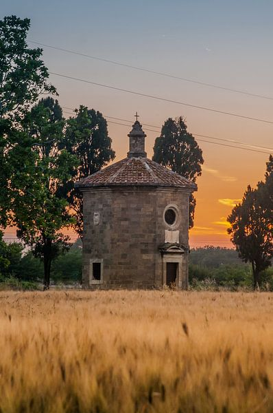 kerk in bolgheri toscane (Oratorio di SanGuido) van Erik van 't Hof