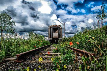 Eindstation - roest rust - oude trein - locomotief -klaproos van