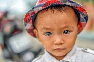 Garçon vietnamien sur Richard van der Woude