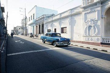 Alter amerikanischer Oldtimer-Klassiker in Trinidada, Kuba von Tjeerd Kruse