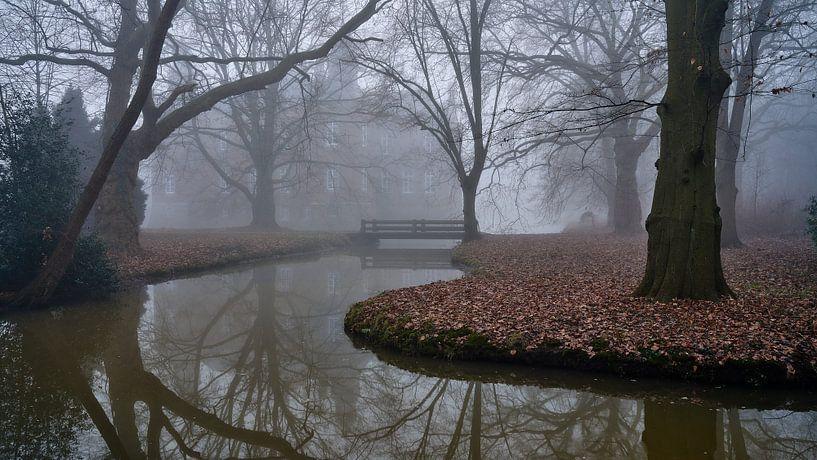 Kasteel Hillenraad Boukoul / Swalmen in de mist van Epic Photography