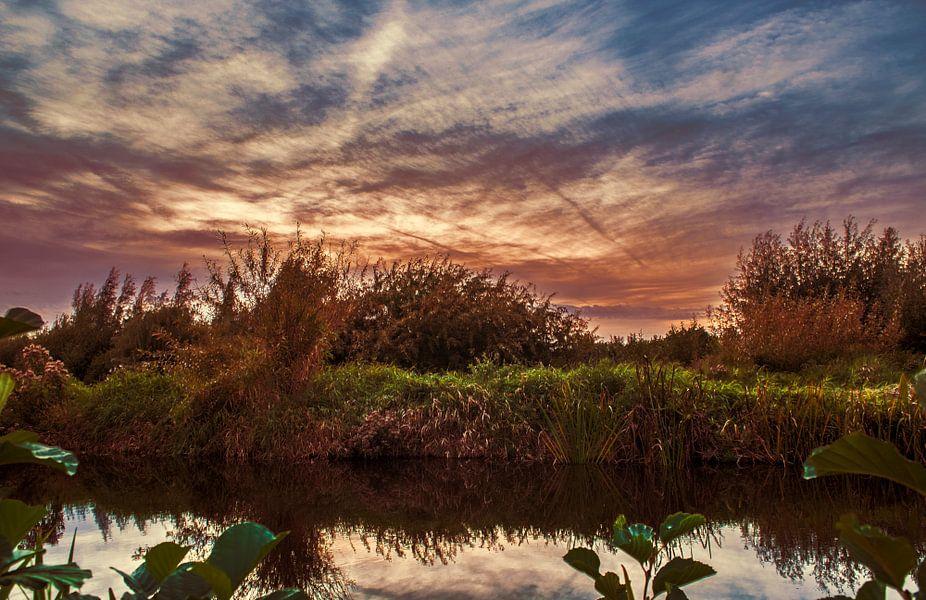 Zonsondergang aan het water van Robin Pics (verliefd op Utrecht)