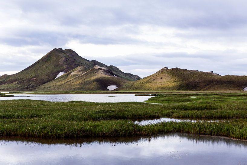 Berglandschap in Landmannalaugar van Ab Wubben