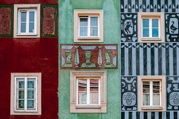 Détails des maisons colorées de la Renaissance dans la ville de Poznan, Pologne sur Manon Galama