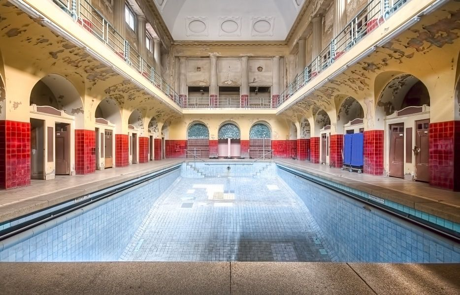 Zwembad badhuis poster roman robroek ohmyprints