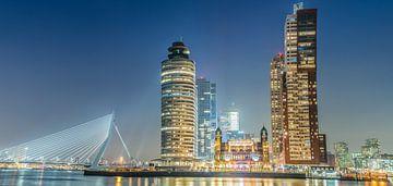 Skyline Rotterdam kop van zuid sur Roy Vermelis