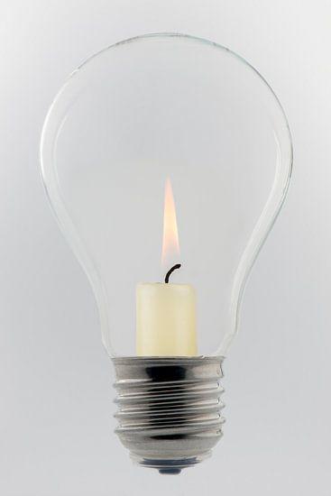 Glazen lamp met kaars