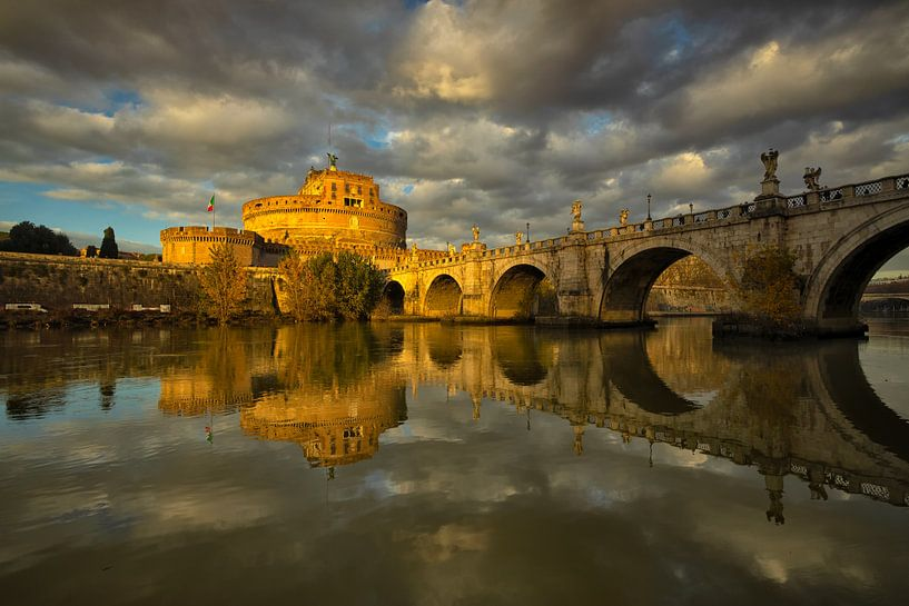 Light on Castel Sant'Angelo - Rome, Italy van Bas Meelker