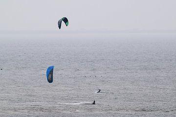 Kitsurfen in Zeeland van Lendy Fotografie .