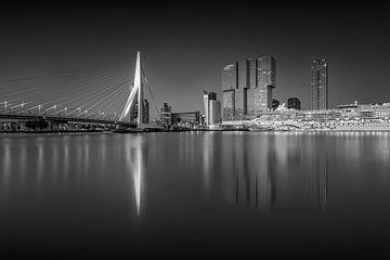Erasmus-Brücke bei Nacht von Bob Vandenberg