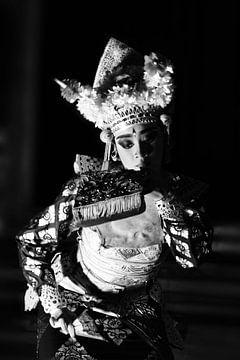 Balineese danseres zwartwit von Ry Bshvn