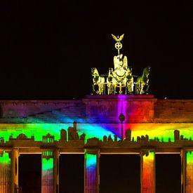 Brandenburger Tor mit Projektion der Berliner Skyline von Frank Herrmann