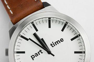 Horloge met tekst Part Time van Tonko Oosterink