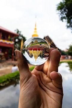 Een tempel in Chiang Mai, Thailand van hugo veldmeijer