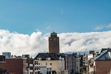 château d'eau sandvoort avec bande d'avion sur Patrick van buuringen