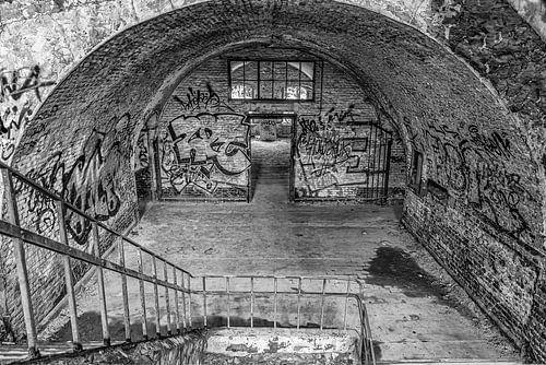 Trap naar beneden in Fort Chartreuse in zwartwit