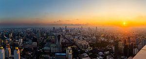 Skyline in de stad Bangkok  |  Thailand van Yvette Baur