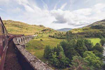 Over de beroemde Glenfinnan viaduct (Harry Potter) I van Geke Woudstra