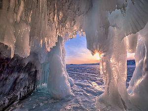 Ice cave van Joanne de Graaff