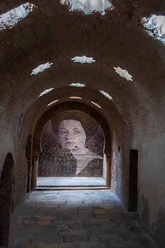 Madonna in oud Romeins badhuis