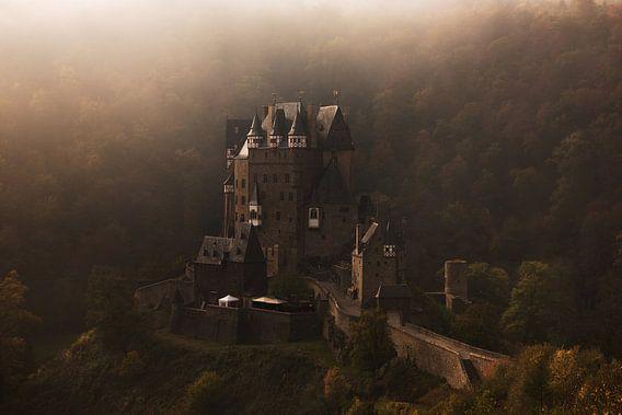 Château de Burg Eltz dans le brouillard
