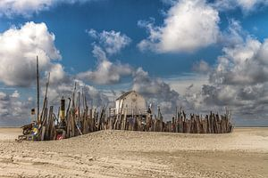 Het drenkelingenhuisje op het waddeneiland Vlieland. van